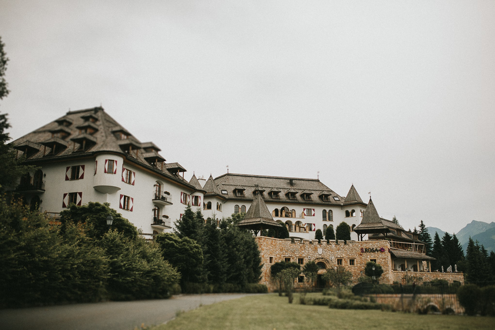 Intimate Wedding in the Austrian Alps at A-Rosa Kitzbuehel