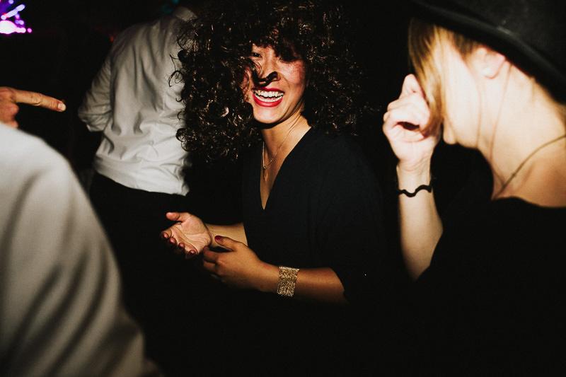 Hochzeitsfotograf Mannheim Stuttgart Weingut am Nil Tanzen Party