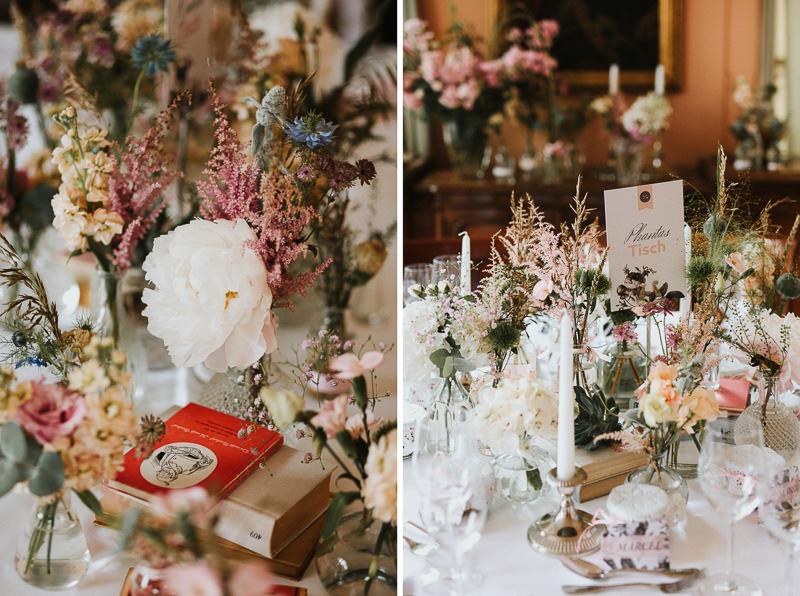 Vintage Hochzeitsdekoration Bücher Blumendeko Berlin Schloss Ziethen