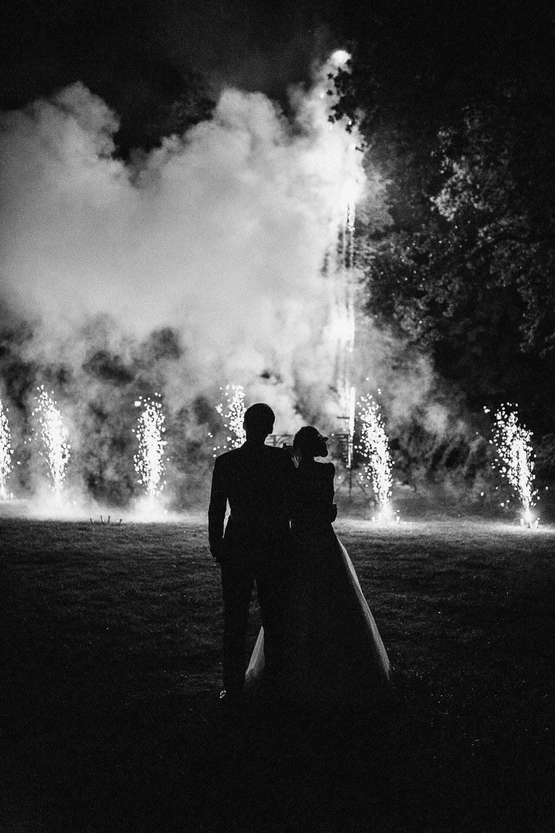 Feuerwerk und Feuershow bei der Hochzeit