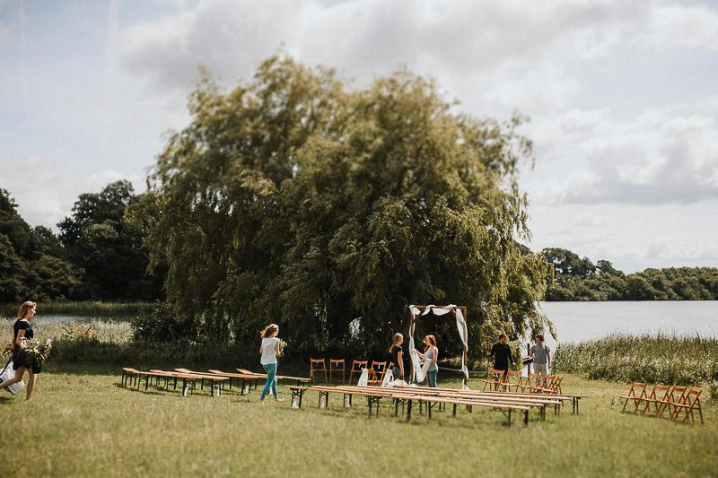 freie Trauung am See DIY Vintage Hochzeit in Kiel  auf Hof Brache Wahlstorf