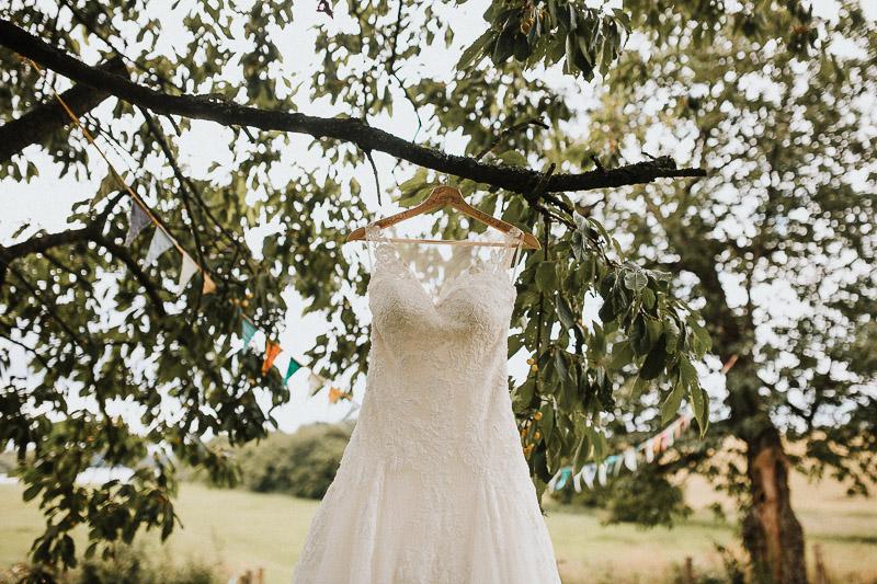 freie Trauung am See DIY Vintage Hochzeit in Kiel Hamburg Brautkleid